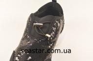 Кроссовки для женщин в черных пайетках BSO32